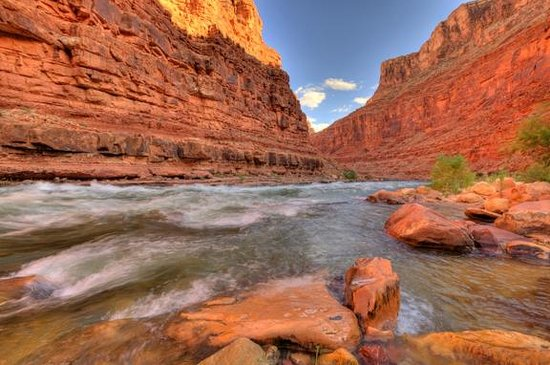 Outdoors Unlimited Grand Canyon Rafting: Sunrise Colorado River