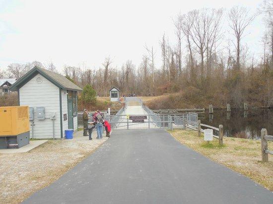 Dismal Swamp State Park: Bridge over Dismal Swamp Canal