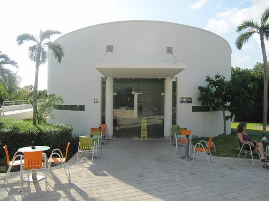 Grand Sirenis Mayan Beach Resort & Spa: coffee shop