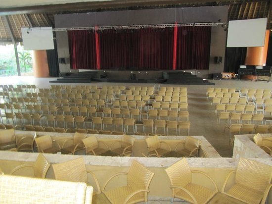 Grand Sirenis Mayan Beach Resort & Spa: theater