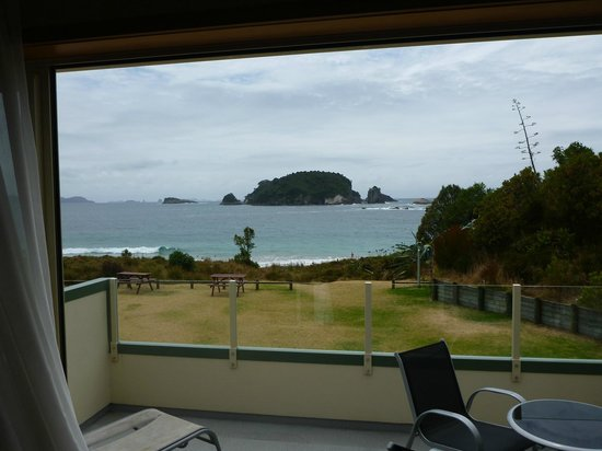 Hahei Holiday Resort: View from the front