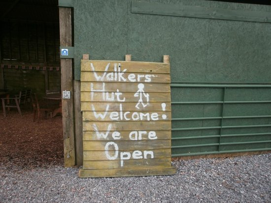 East Soar Walker's Hut: We welcome Walkers with muddy boots and well behaved dogs!
