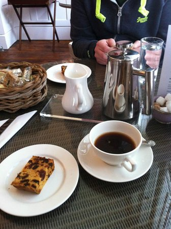 Villa Magdala: Coffee and cake as we checked in