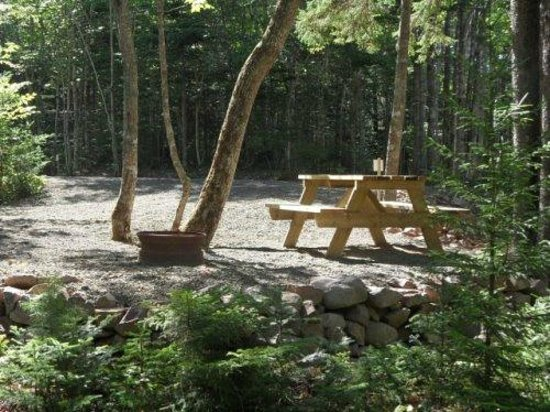 Mountain Top Cottages & Campground : Spacious Campsite