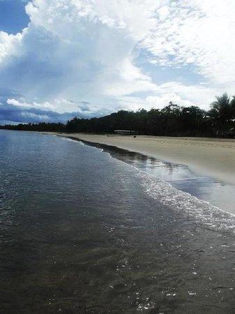 Uprising Beach Resort: Beach