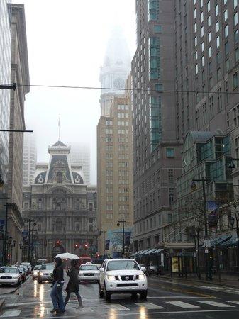 Philadelphia Marriott Downtown: Marriott on the Right