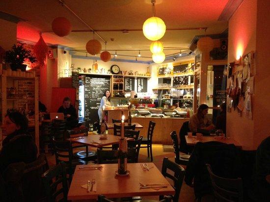 The Bristolian Cafe: So cosy!