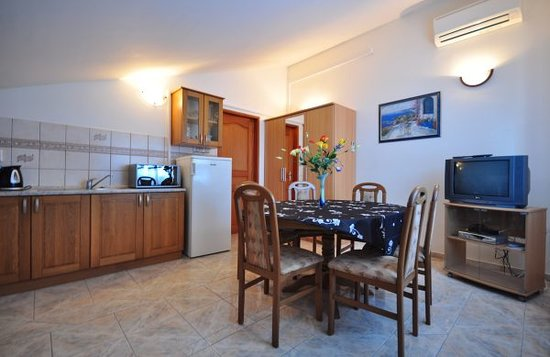 Villa Paris: Well Equipped Living Rooms of Our Apartments