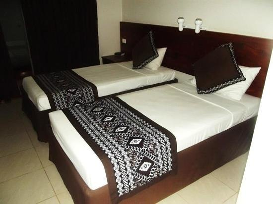 Smugglers Cove Beach Resort & Hotel: beds