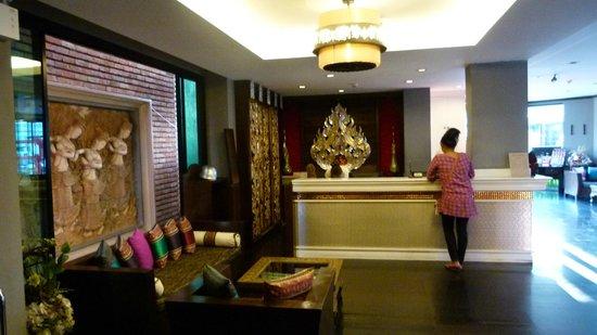 โรงแรมชเลราญหัวหิน: Reception