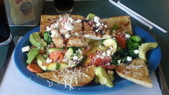 Pete's Brass Rail & Car WASH: mahi mahi salad