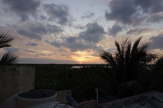Sin Duda Villas : Sunset from the roof top terrace