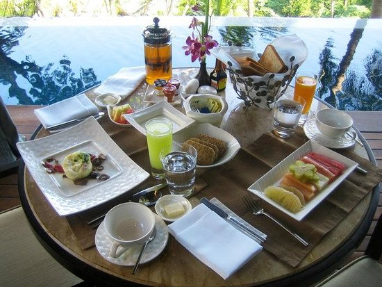 Four Seasons Resort Koh Samui Thailand: Breakfast delivered to the Villa