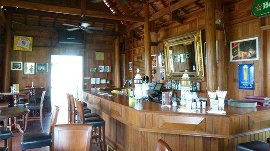 Banyan Golf Club: Mulligans Pub