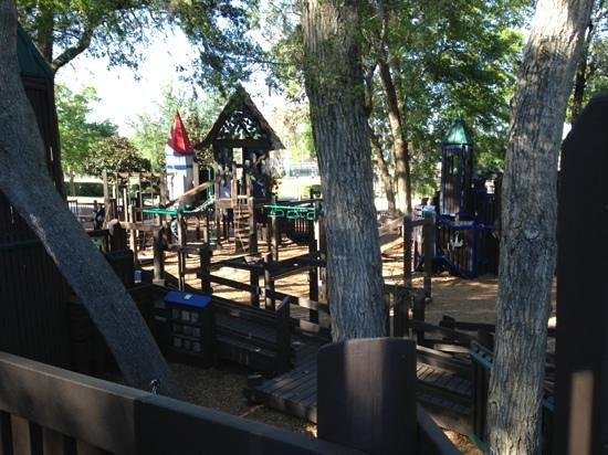 Nova Community Park: Nova Park. Great Playground!