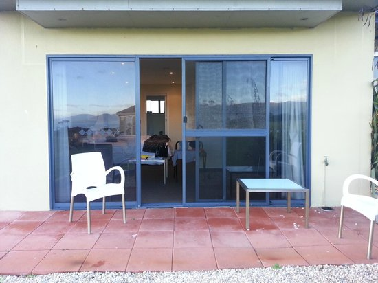 Diamond Island Resort & Penguin Show: Sliding doors leading into our apartment
