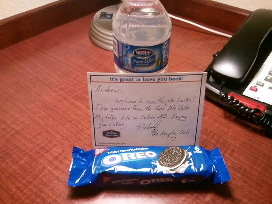 Hampton Inn & Suites Air Force Academy : Great welcome to my room