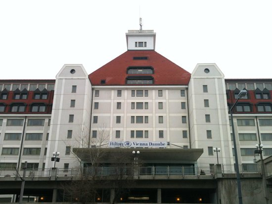 Hilton Vienna Danube Waterfront: picture from outside