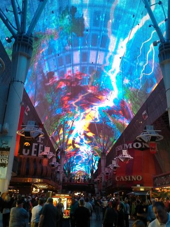 Plaza Hotel & Casino: Fremont Street Experience
