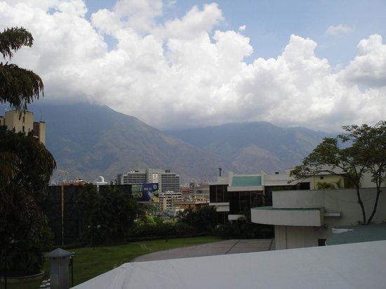 InterContinental Tamanaco Caracas: Vista desde la piscina