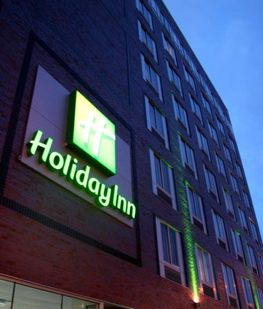 Holiday Inn NYC - Lower East Side : Holiday Inn Sign
