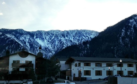 Leavenworth Village Inn: View from the window in our room