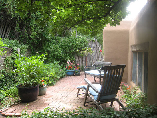 Dunshee's: Casita back patio