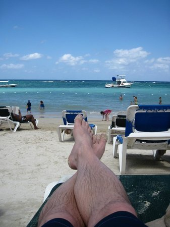 Beaches Ocho Rios Resort & Golf Club: Ocean...Heat....Rum Punch :)