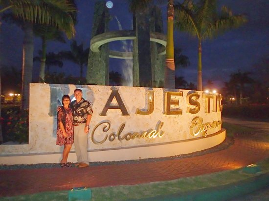 Majestic Colonial Punta Cana: Us by Entrance