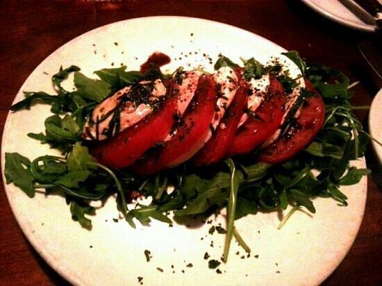JP's Bistro: caprese salad