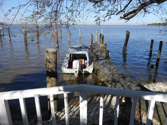 Apalachicola River Inn: Oyster Boat