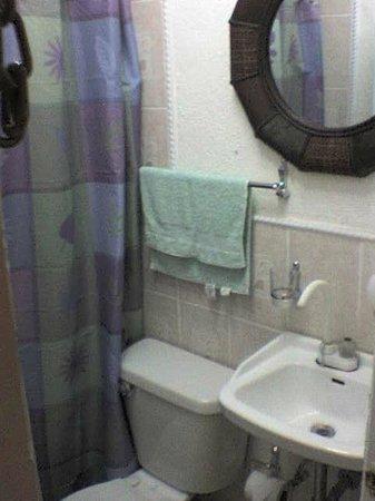 Hotel Casa Santorini: Bathroom