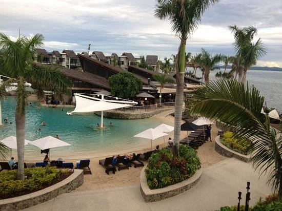 Radisson Blu Resort Fiji Denarau Island: pool beach area from room 387
