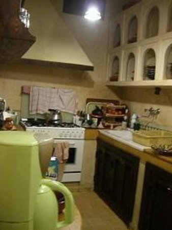 Riad Dar Dialkoum: Khadujah's Kitchen
