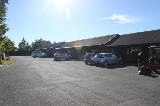 Te Anau Kiwi Holiday Park : Rooms & Parkings