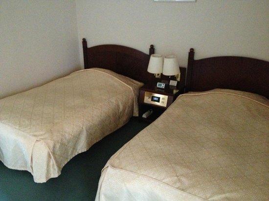 Campana Hotel : 寝室ベッド