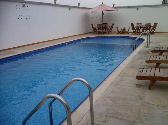 Fortune Royal Hotel: pool