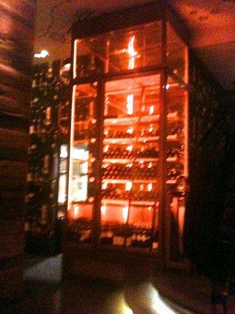 TG Italiano: Stacking of wine