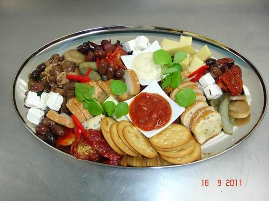 Horse and Jockey Inn: Share a platter with friends