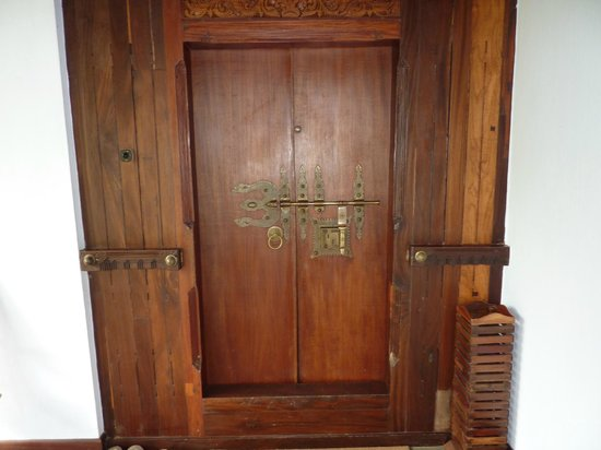 Kumarakom Lake Resort : Porte de la chambre