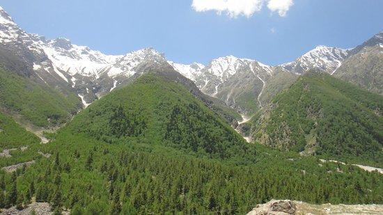 Kinnaur District, India: Mountains near Sangla