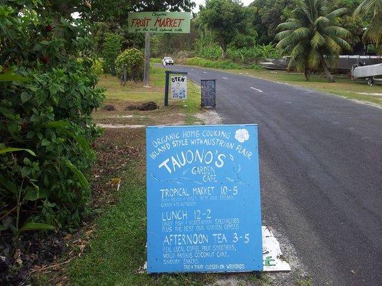 Tauono's: In front Tauonos garden cafe