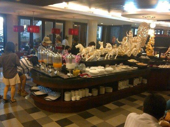 Sanur Paradise Plaza Hotel: breakfast