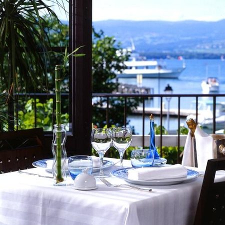 Hotel Le Jules Verne: Vue sur le Port de Plaisance