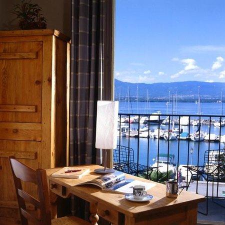 Hotel Le Jules Verne : Vue depuis une Junior Suite
