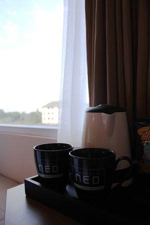 Hotel Neo Kuta Jelantik: Tea or coffe making