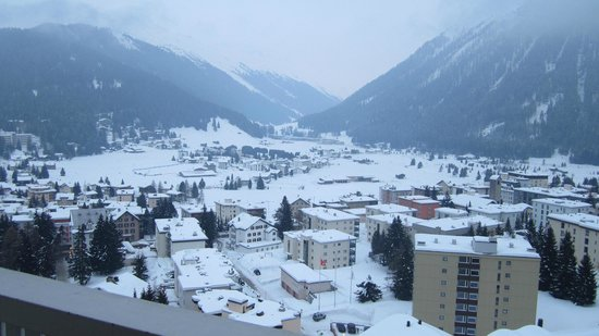 Jugendherberge Davos: view from blacony over davos