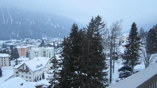 Jugendherberge Davos: view over Davos from blacony