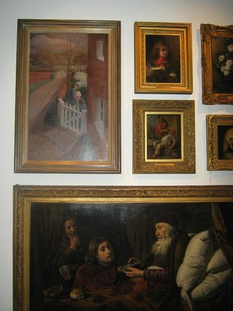 Hove Museum and Art Gallery: Part of the painting collection