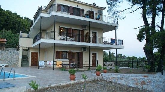 Villa Evelyn: The property_1